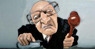Один чоловік найняв найкращого адвоката, щоб той захищав його в суді
